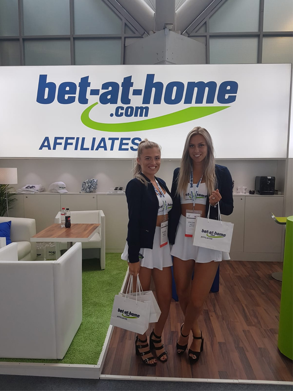 AAC 2018 bet-at-home.com Promotion Girls